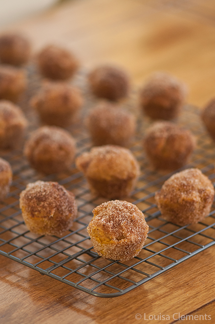 mini-pumpkin-donut-muffins