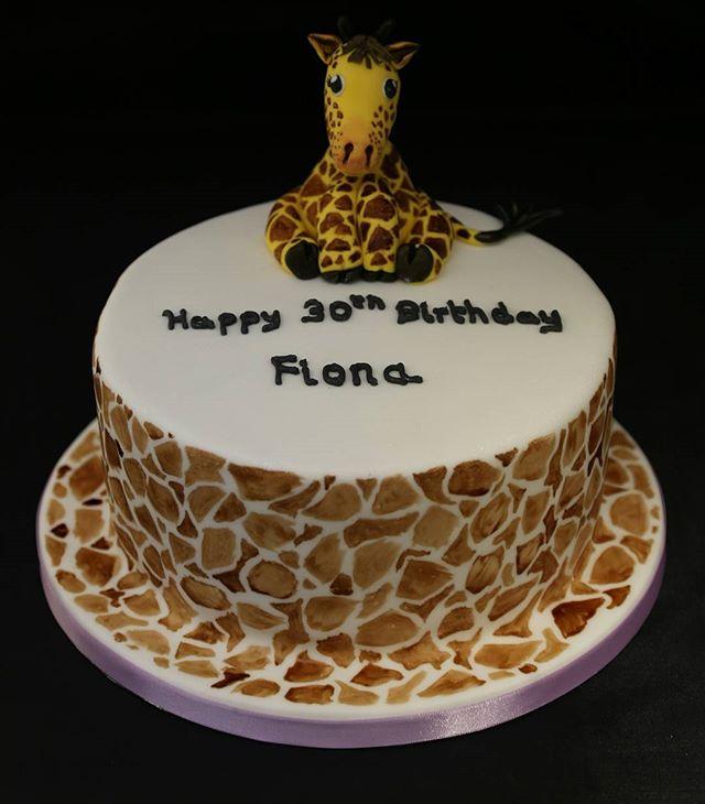 Giraffe Birthday Cake #giraffe #giraffeprint #peartreecakessolihull #peartreecakeco #celebrationcakes #30thbirthdaycake #cakemakershirley