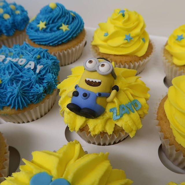 Minion Cupcakes #minions #cupcakes #celebrationcakes #cakemakershirley #solihullcelebrationcakes #peartreecakessolihull #peartreecakeco #universal #birthdaycakes