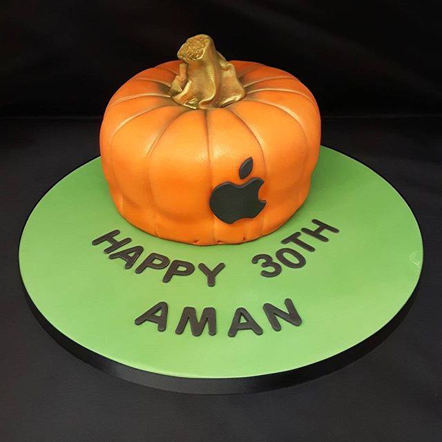 Eggless Pumpkin Cake #pumpkins # egglesscakes #birthdaycake #egglessbaking #egglesscakessolihull #celebrationcakes #apple #solihullcelebrationcakes #solihullbakers #celebrationcakesshirley #peartreecakeco #peartreecakessolihull