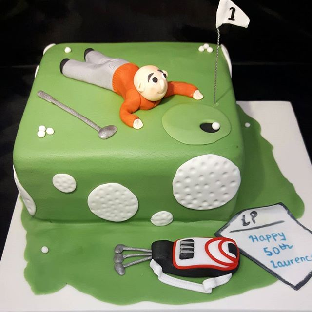 Golf Cake #50thbirthdaycake ##sugargolfer #celebrationcakesshirley #celebrationcakessolihull #peartreecakessolihull #peartreecakeco