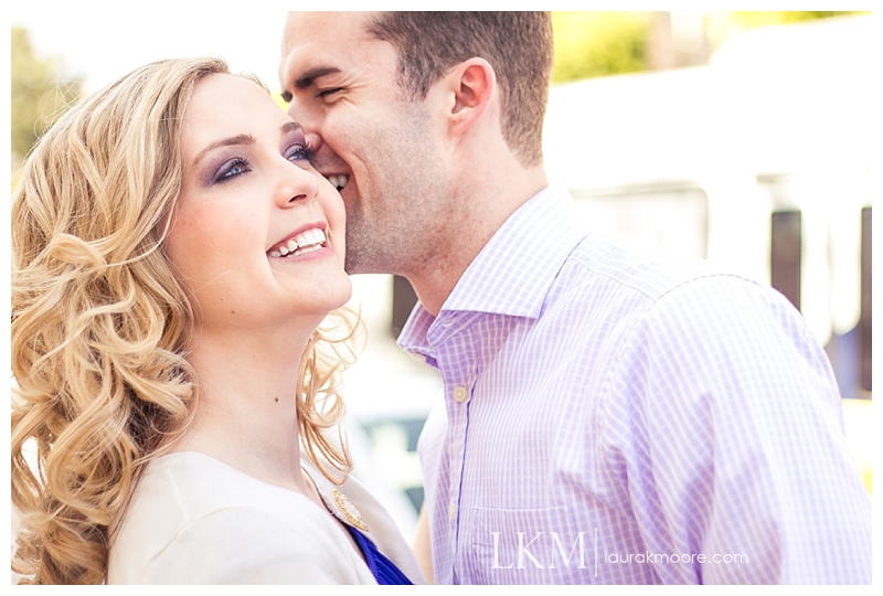 Downtown-Los-Angelas-Engagement-Session-Walt-Disney-Concert-Hall-Laura-K-Moore-Photography_0004a