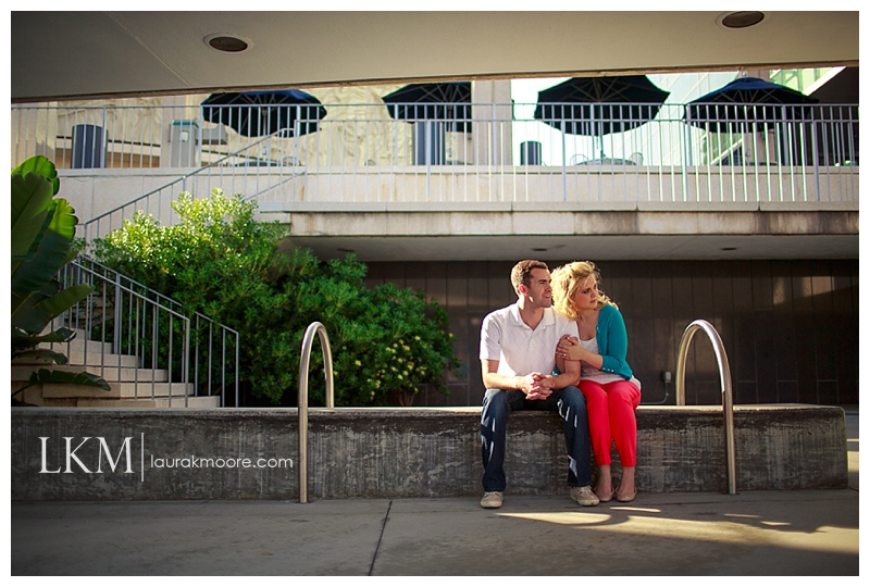 Downtown-Los-Angelas-Engagement-Session-Walt-Disney-Concert-Hall-Laura-K-Moore-Photography_0015