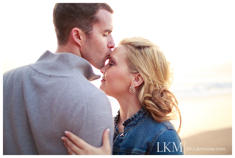 Downtown-Los-Angelas-Engagement-Session-Walt-Disney-Concert-Hall-Laura-K-Moore-Photography_0025