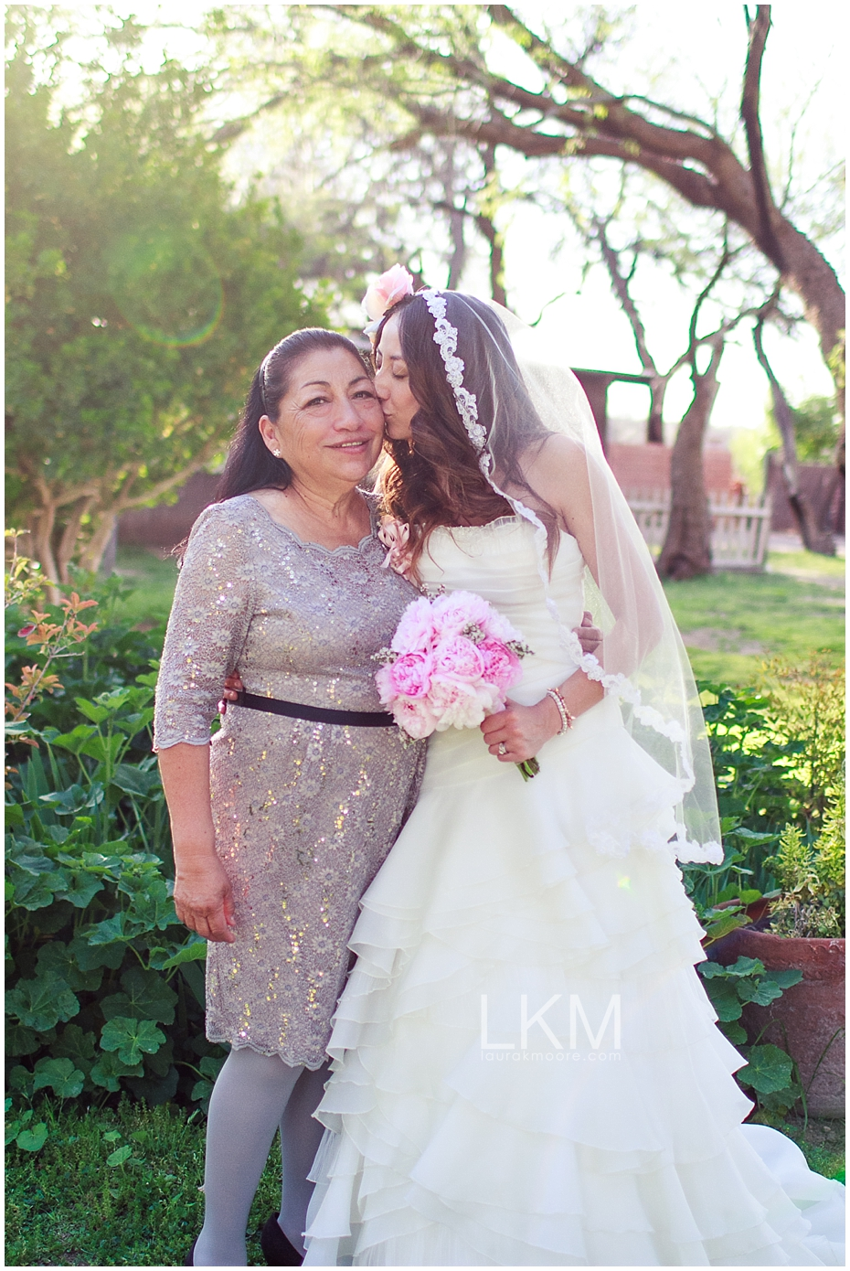 agua-linda-farm-alice-in-wonderland-tucson-wedding-photographer_0043.jpg