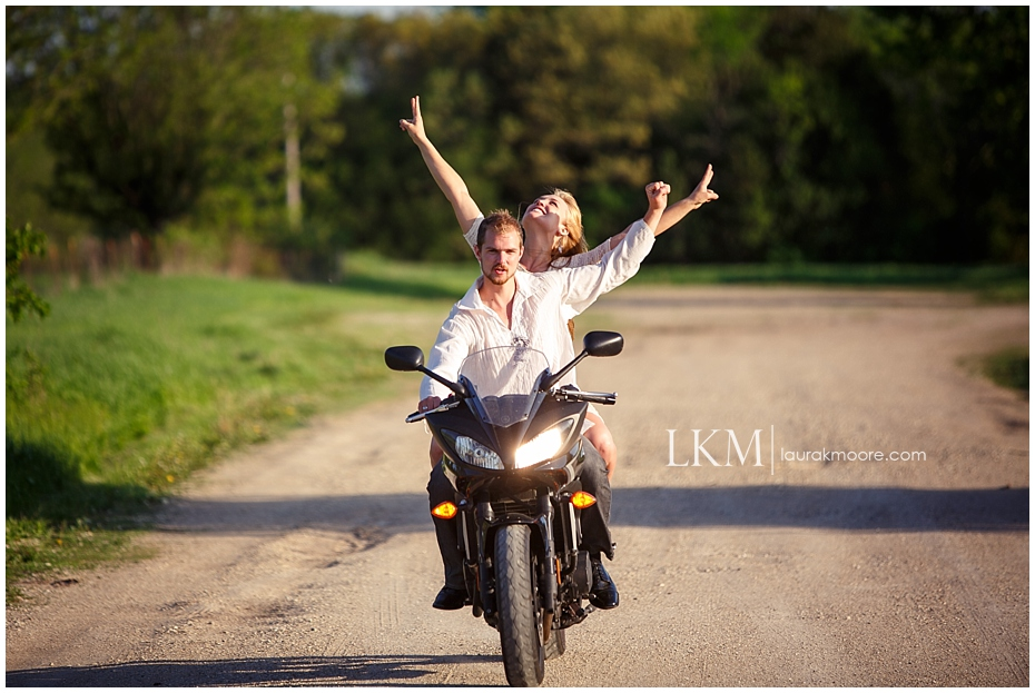 Milwaukee-Fun-Engagement-Session-Wisconsin-Wedding-Photographer_0025.jpg