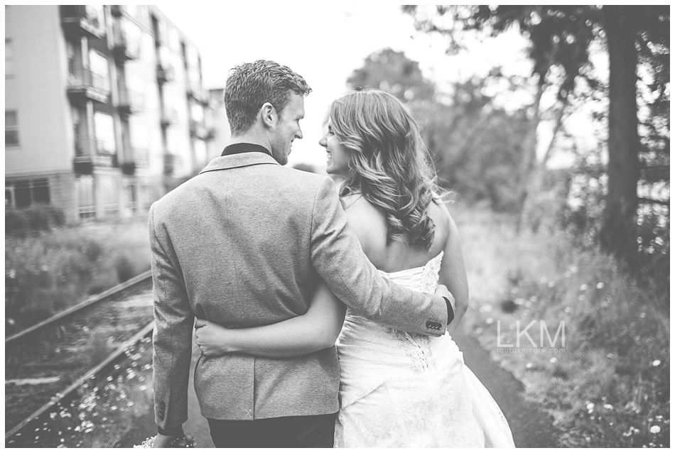 astoria-oregon-wedding-portland-laura-k-moore-destination-photographer-seth-joelle-weisser_0055.jpg