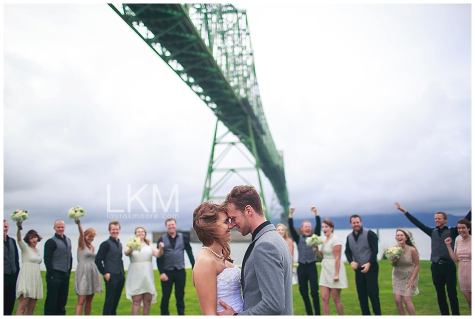 astoria-oregon-wedding-portland-laura-k-moore-destination-photographer-seth-joelle-weisser_0091.jpg