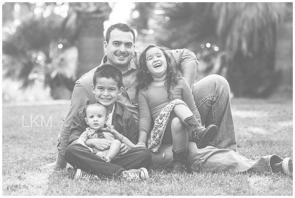 tucson-family-portraits-Matt-Kandice-Tiggas-Agua-Caliente_0003.jpg