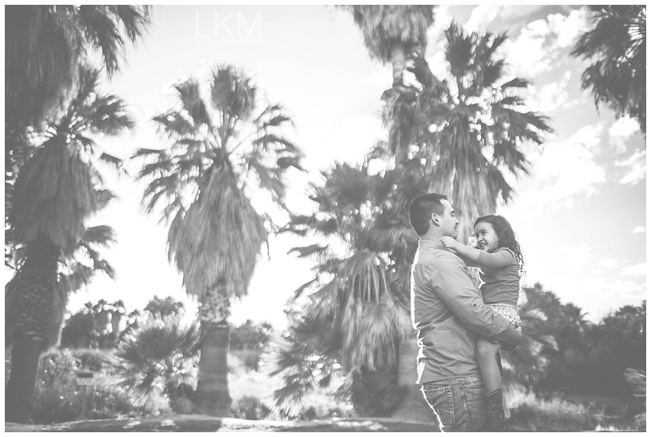 tucson-family-portraits-Matt-Kandice-Tiggas-Agua-Caliente_0028.jpg
