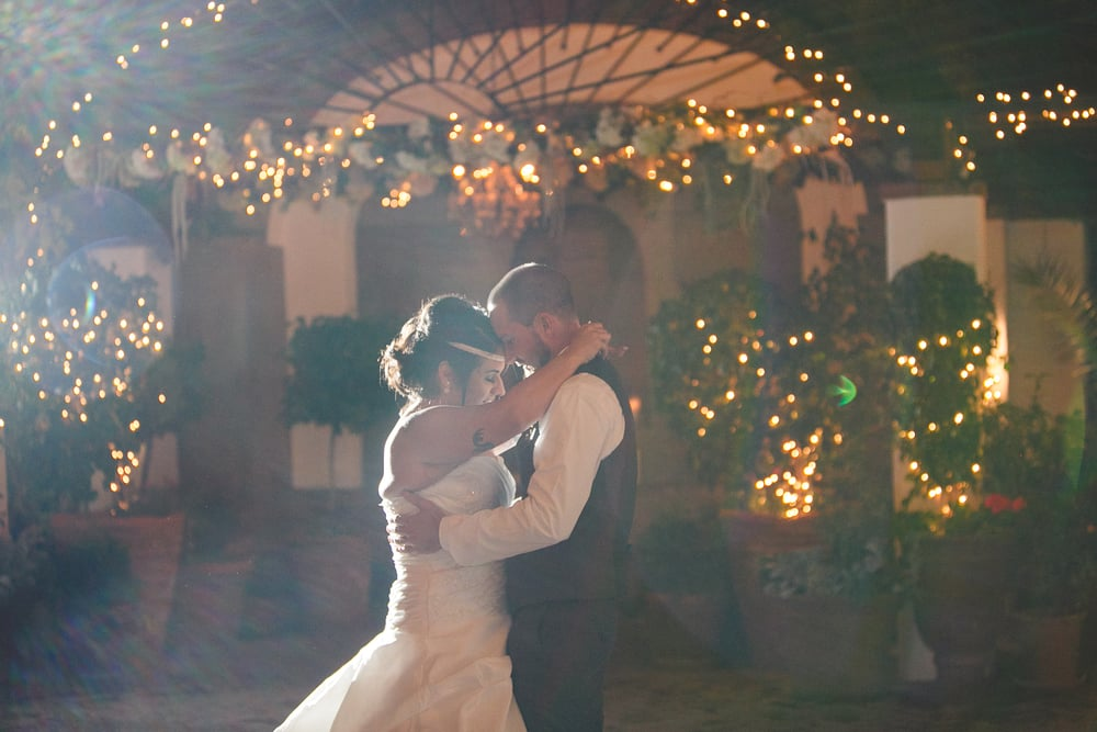 pj-mariah-stillwell-house-tucson-wedding-first-dance.jpg