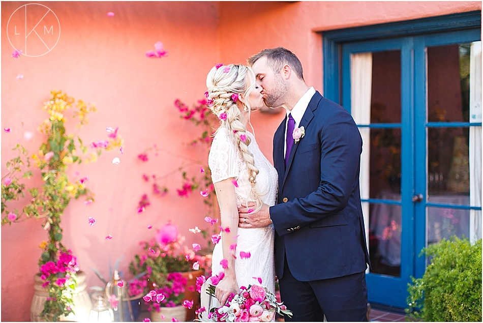 arizona-inn-colorful-pink-classy-wedding-laura-k-moore-photography