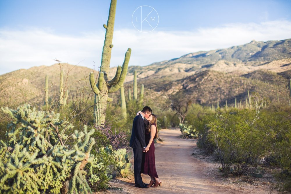 desert-engagement-pictures