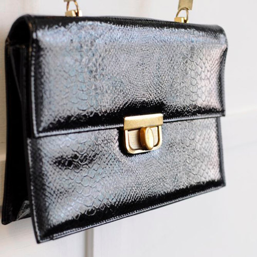60's patent leather purse // Dethrose Vintage