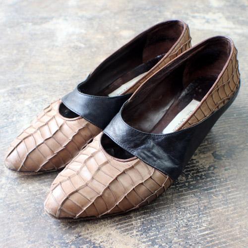 90's textured leather heels // Southwest Vintage