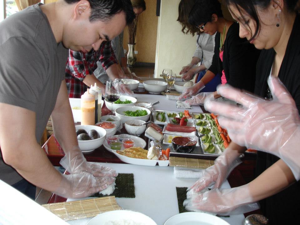 tokyobay_sushi_naperville_sushirolling.jpg