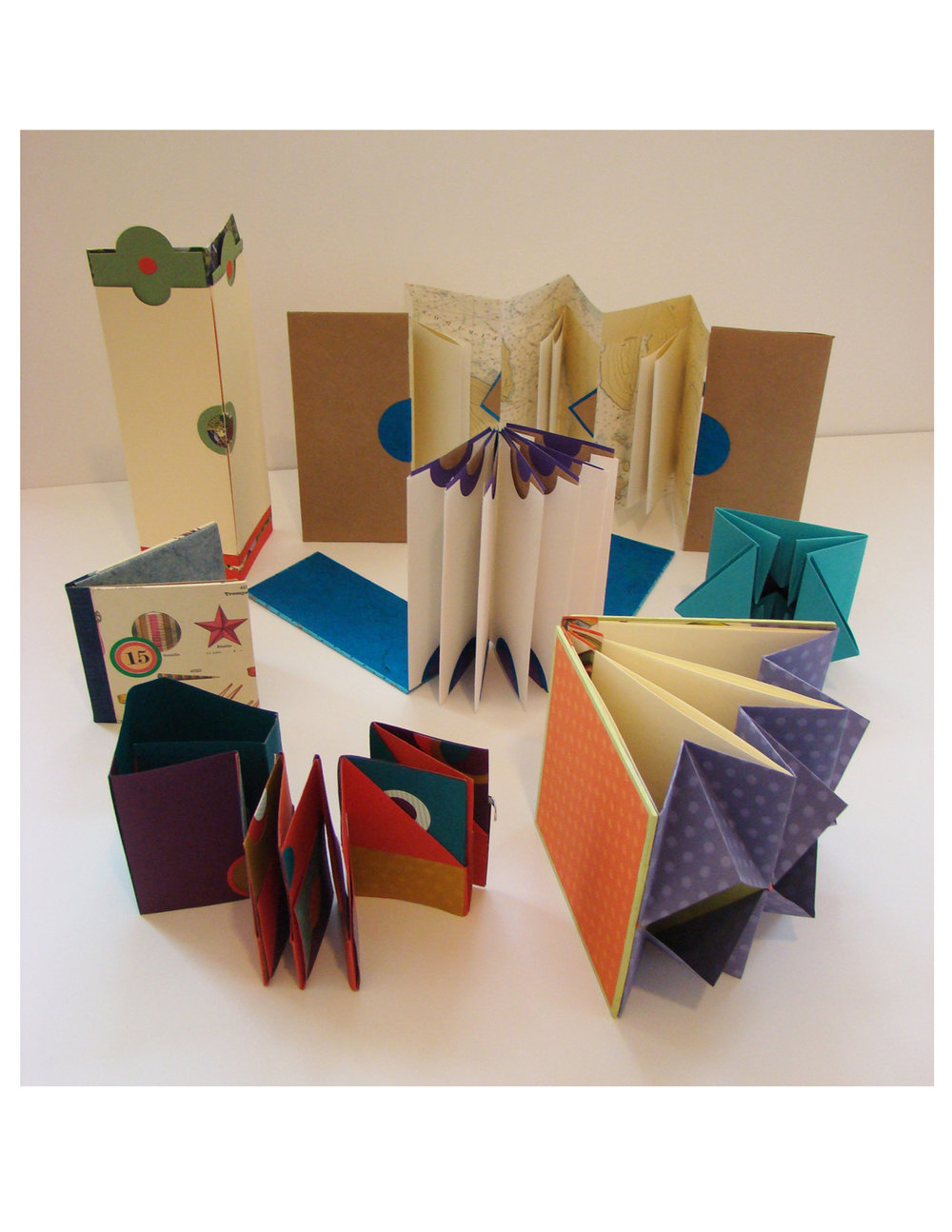 Books That & Expand & Contract  - Book Arts Workshop: September 21-23, 2018. Schweinfurth Memorial Art Center, 205 Genesee Street, Auburn, New York 13021 • 315-255-1553 http://www.schweinfurthartcenter.org/classes_adult.cfm