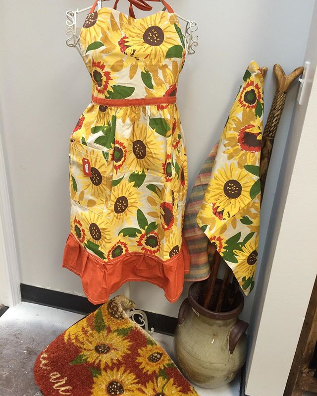 LOOK WHATS NEW‼️#giftideas #sunflowers #summer #gifts #giftshop #thestorestuff #thestorefinefoods #doormates #aprons #dishtowels #utah #utahgram #localbusiness