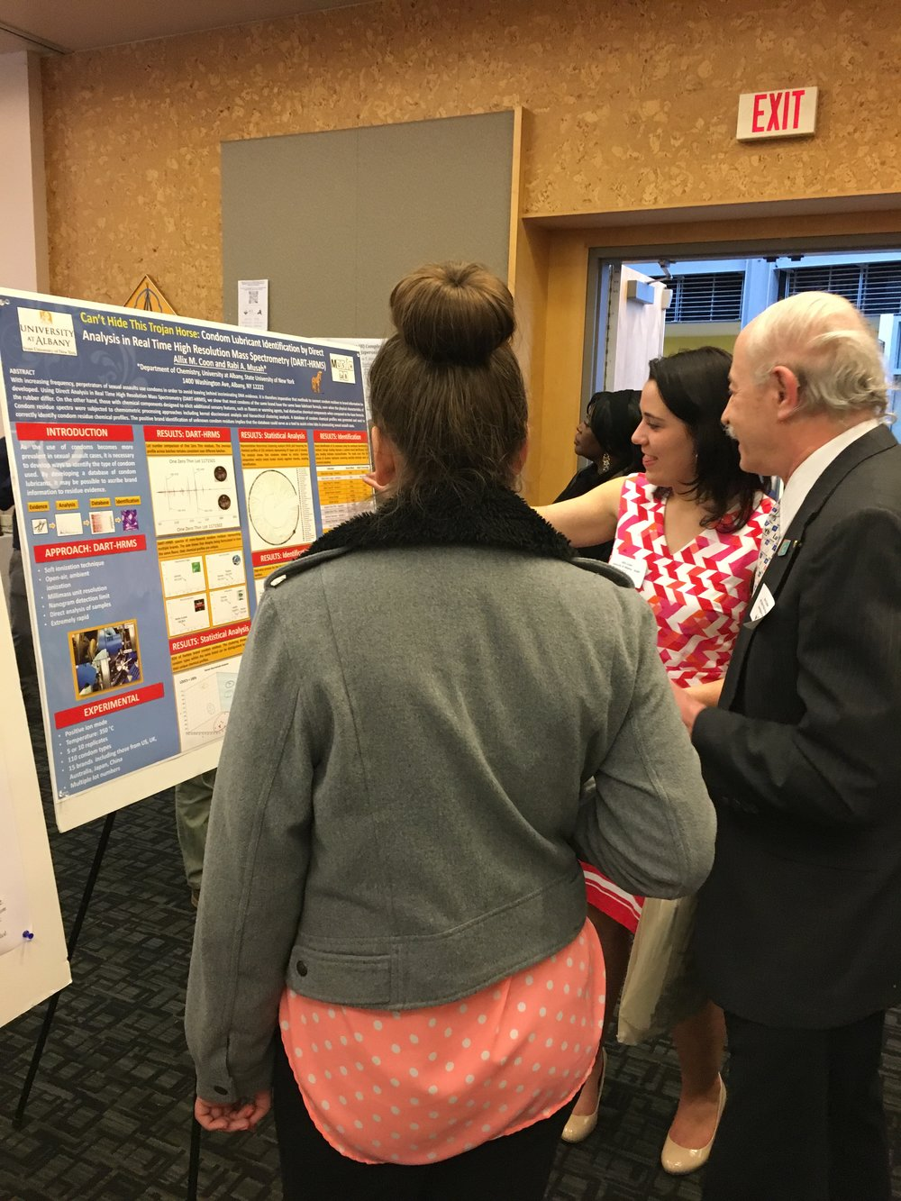 Allix presenting her poster at the 9th Annual ENY ACS Meeting.