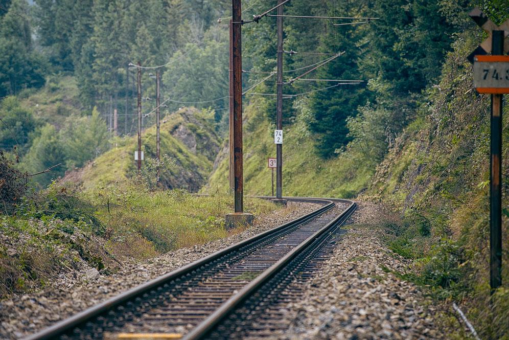 Kein Zug in Sicht. Hier fährt normalerweise die Mariazeller Bahn.