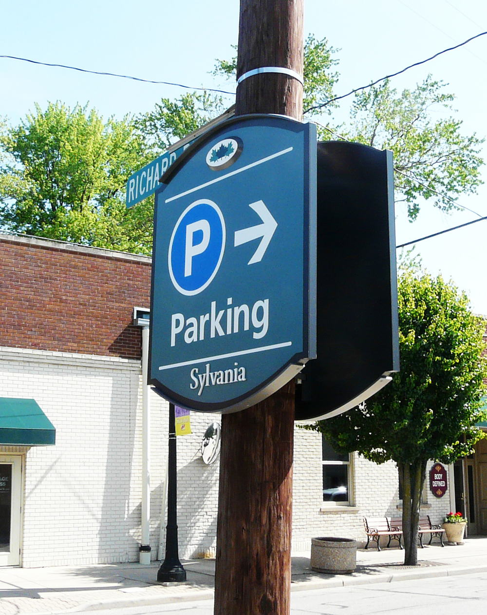 Parking DIR.jpg