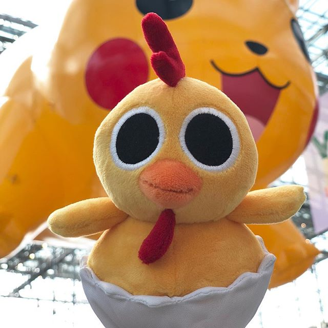 Bandit the Chick! Oh, and Pikachu ☺️ #peekaboobarnplush #toyfair2018 . . . . . #toyfair #javitscenter #toys #toysofinstagram #plush #peekaboobarn #nytf #earlychildhood #banditthechick #toddlertoys #newyorkcity #nightanddaystudios #richfrog