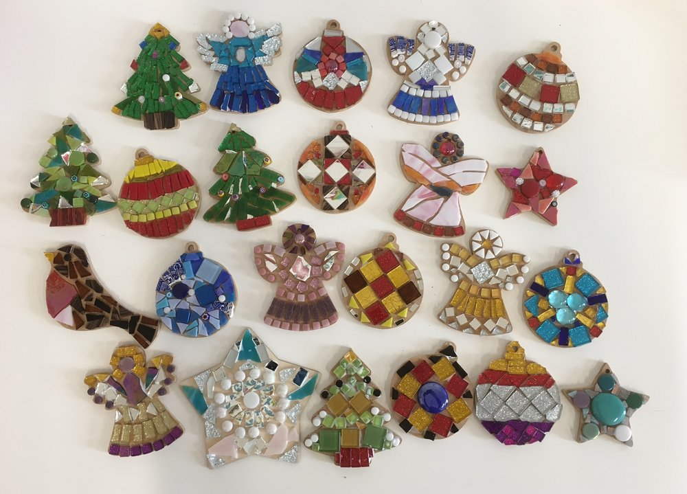 Fabulous Christmas mosaics, which can be hung on the tree (a strong tree!) or displayed on a a wall