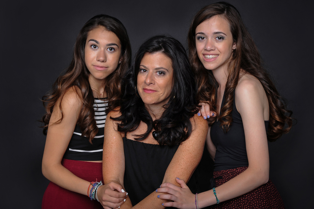 Mother and Daughters Beauty Glamour Photo | Nomee Photography | Chicago Family Photographer in Studio Shoot