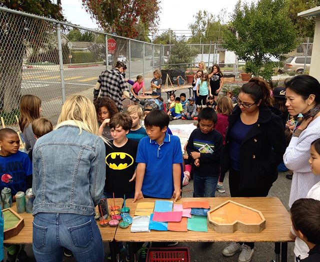 @morecanlove stopped by #marvistaelementary to teach 3rd graders about #upcycling and inspiring them to make #art #canlove
