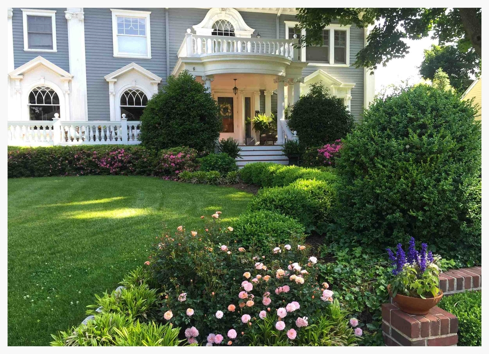 Front Garden Re-design And Hand Pruning Care - Philipse Manor, Sleepy Hollow, New York