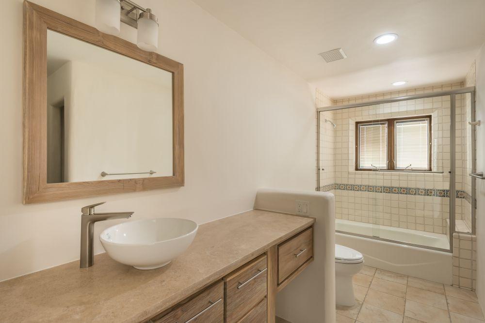 Guest Bath B4.jpg