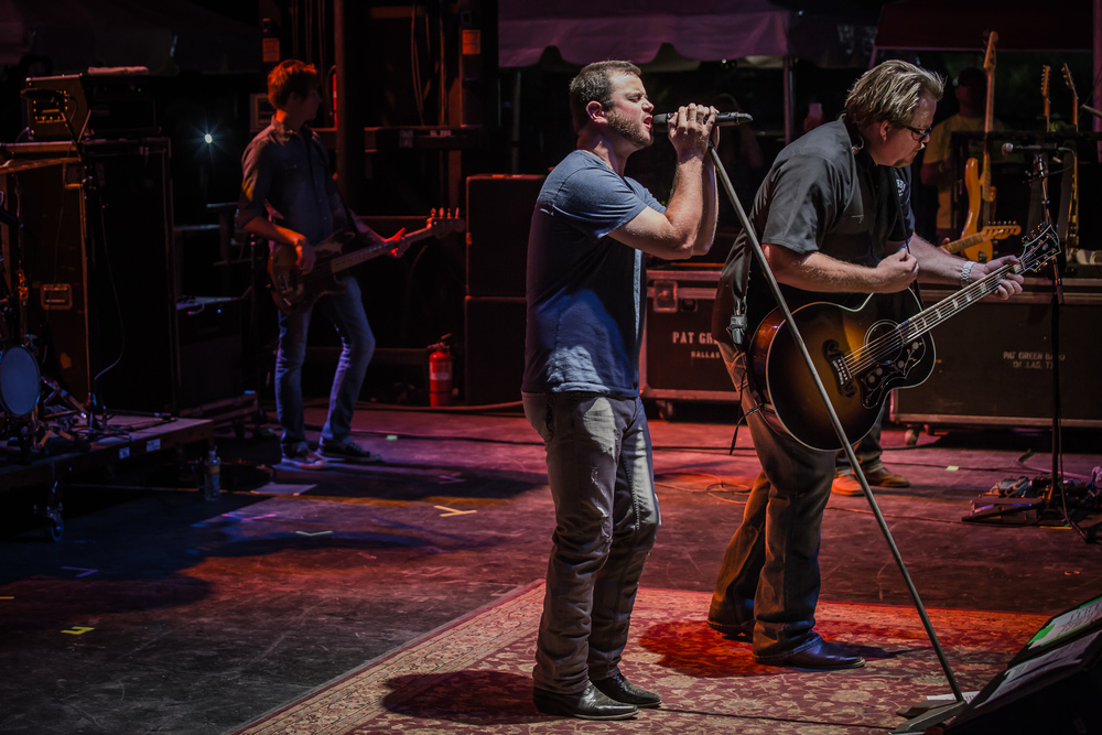 Pat Green and Wade Bowen jam together.jpg