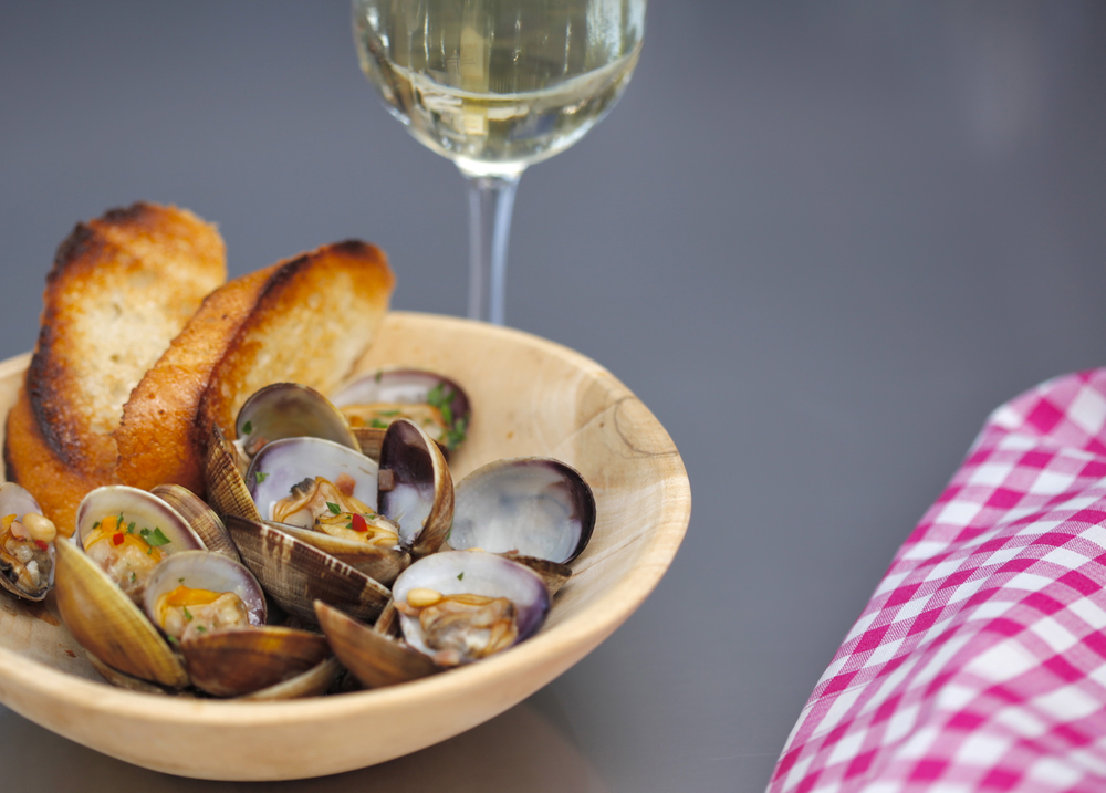 Clams with Jamon and Chili Pepper
