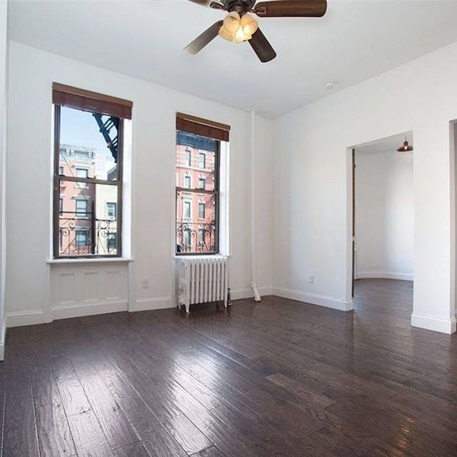 SWIPE RIGHT ➡️➡️➡️ Want to Move June 1st and Lock Down a 4 Bedroom Now? We've got the only Downtown Option Already on Market!  Second Avenue and E 6th St, Washer/Dryer in Unit, All New Renovations. $1600/roommate. If you have all your roommates ready to go, set up a showing by sending us a DM!  #undorm  #westvillage #eastvillage #uppereastside #midtown  #luxuryapartments #luxuryaparmemtsnyc #apartmentsofNY  #nycapartments #apartments #apartmentsnyc #nycroomates  #mdlny #milliondollarlisting #brooklynheights  #apartmenthunting #nyu #nyuhousing #nyu2020 #nyu2021 #nyu2019 #nyu2018 #nyu2017 #nyustern
