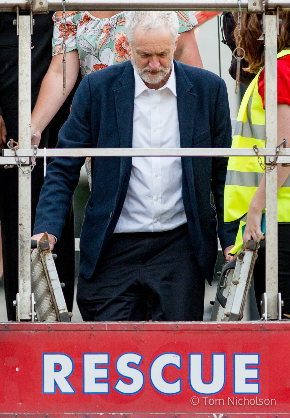 27/06/2016. London, UK. Leader of the Labour Party Jeremy Corbyn departs after speaking at a 'Momentum' demonstration showing support for him, after many of the Labour Shadow Cabinet resigned following the British public's vote to leave the EU