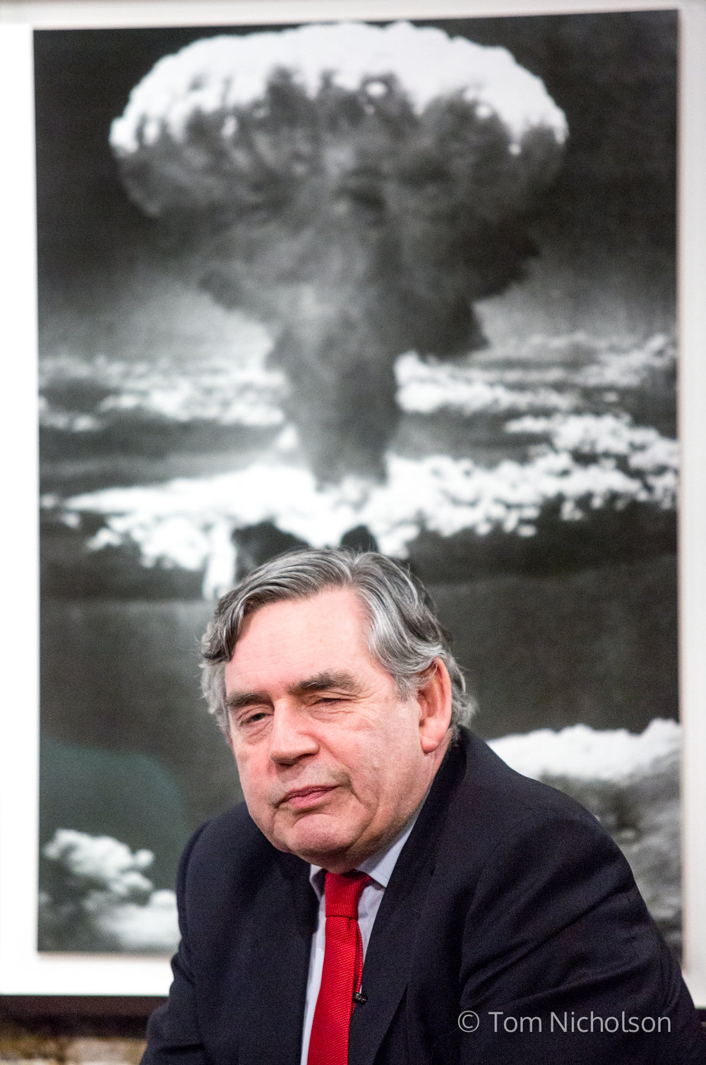 25/01/2016. London, UK. Former British Prime Minister and ex-leader of the Labour Party Gordon Brown speaks at the 'Funding Education for Syrian Child Refugees' discussion at The Frontline Club, London.