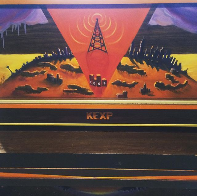 Sick piano art @KEXP I wantttt!! Caught @dorifreeman's set that'll be on Roadhouse tonight - check it out! Virginia represent!