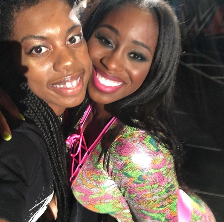Melanin queens Ebony gets a pic with Naomi.