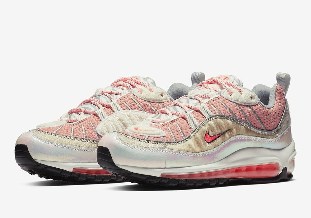 The elements are there for the Women's 98, but it doesn't mesh well with the theme of the other models