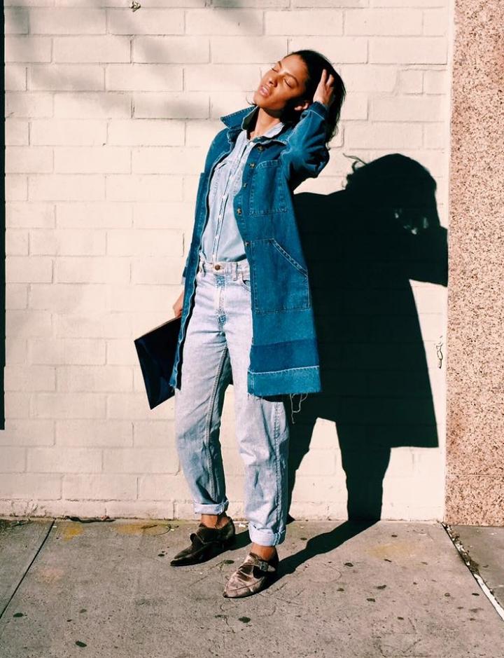Asos Denim Duster Coat, TopShop Denim Shirt, Levis Vintage Jeans, TopShop Velvet Shoes, Givenchy Clutch.