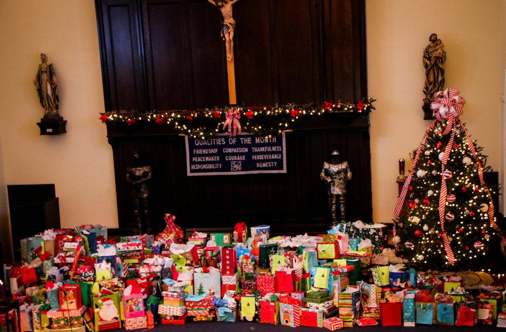 stuart hall donates christmas gifts to 300 children stuart hall