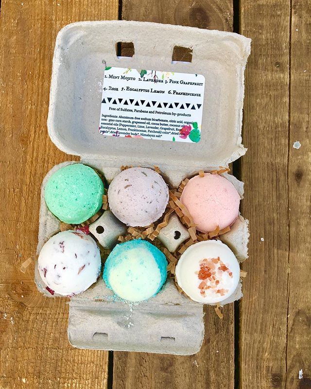 Sorry for the slew of hiatuses! We have been so busy preparing for summer, mothers day, and a lot of exciting events! This is our summer edition Bath Bomb Crate... Cute, right?! . . . #shoplocal #handmade #allnatural #coldprocesssoap #shopsmall #smallbusiness #smallbusinessowner #essentialoil #coconutoil #bathbomb #bathbombs #naturalskincare #naturalskin #naturalhaircare #naturalhair