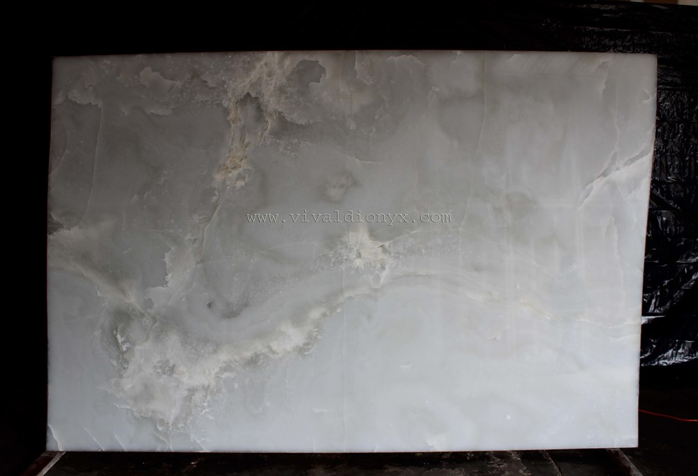 Onyx Bianco Top