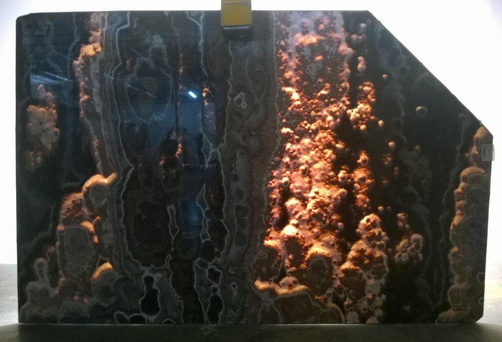 Onyx Madera - Backlit