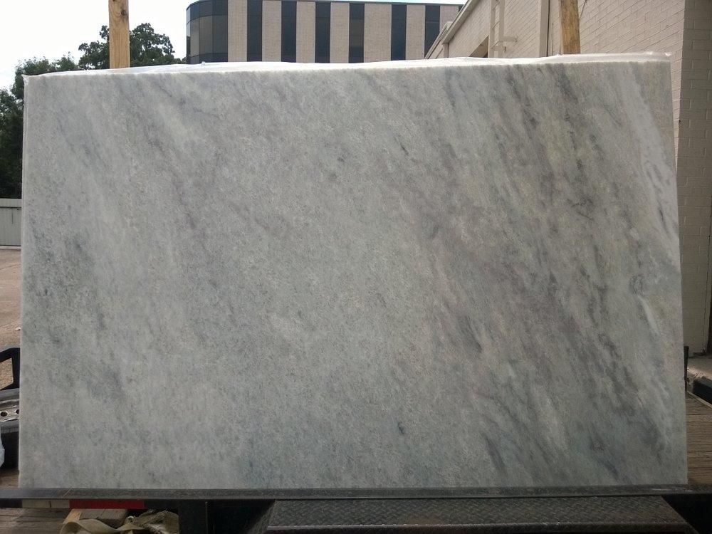 Everest White 3CM 117x76 .jpg