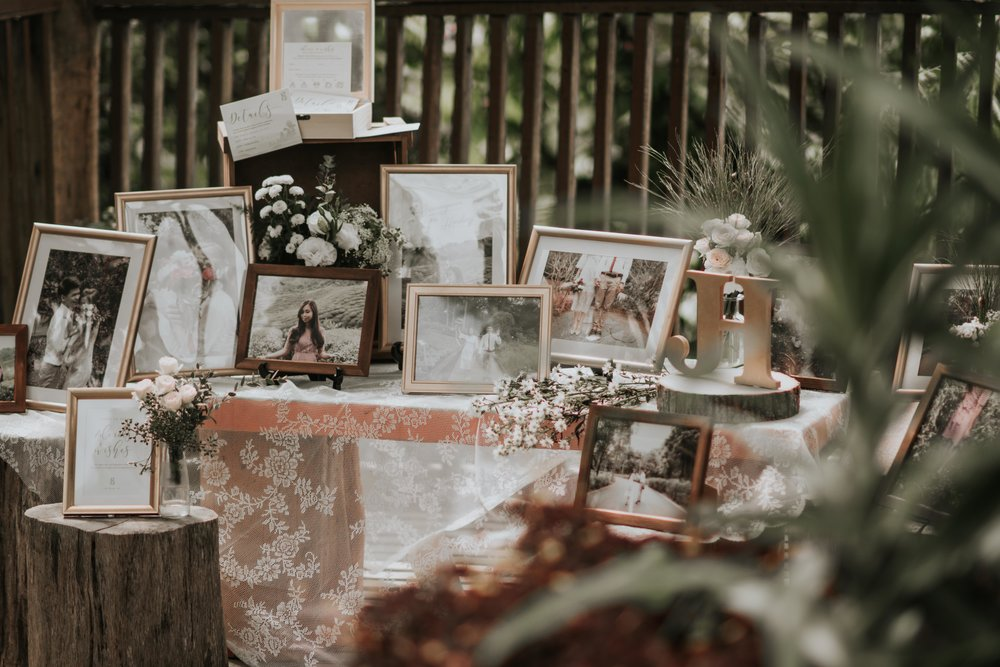 Wedding Huts - Wedding Huts is a wedding florist that specialises in wedding flowers, wedding gowns and venue styling. With years of experiences in indoor and outdoor wedding ceremonies, Wedding Huts provide a wide range of services that meet your every wedding need, from bouquet, gown rental to wedding venue decoration.