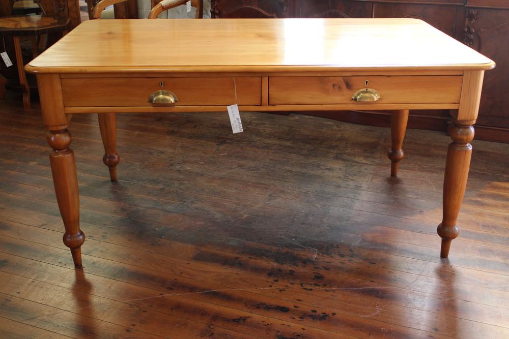 hoop pine desk.jpg