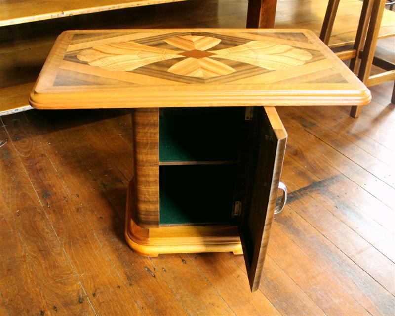 Vintage Art deco Table 1.jpg