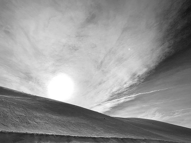 Winter |  Enchantment . . . . . . . . . 📷@ezramigel #easternsierras #roadtrip #livetastefully #roadlesstraveled #winterlandscape