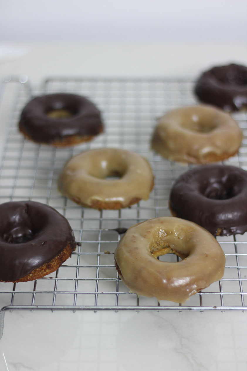 Paleo-low-FODMAP-gluten-free-maple-chocolate-donuts